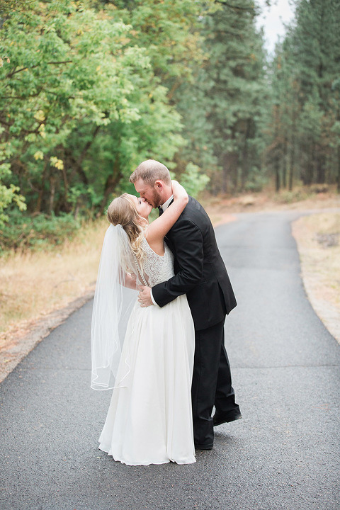 With Over 10 Years Of Experience As A Professional Wedding Photographer Spokane Ashlea Terhune Knows Weddings